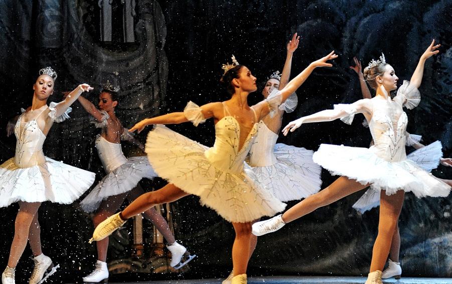 Ansamblul de Stat al Baletului pe Gheata din St. Petersburg (7)