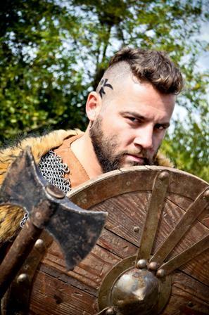HISTORY - Cosmin Tudoran - Viking pentru o zi (2)