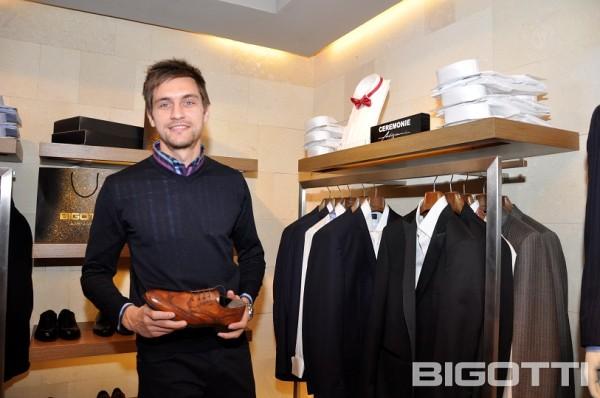 Steaua - Shopping si autografe in magazinul BIGOTTI (3)