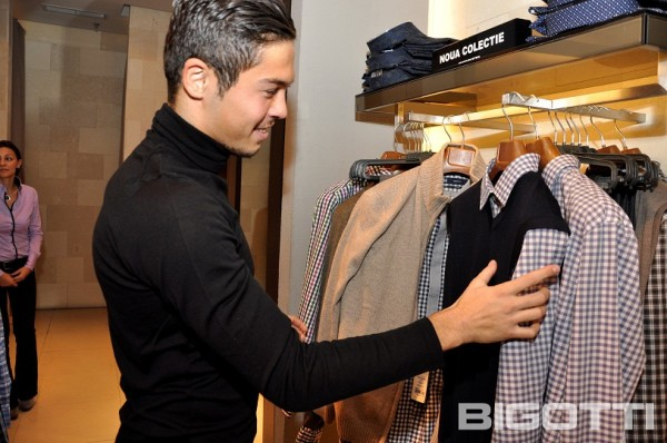 Steaua - Shopping si autografe in magazinul BIGOTTI (4)