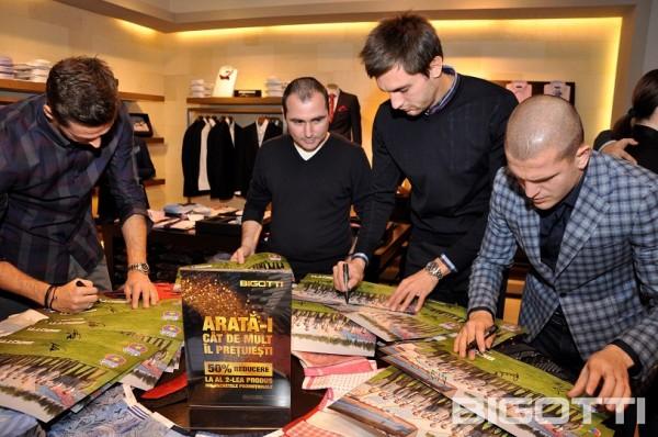 Steaua - Shopping si autografe in magazinul BIGOTTI (9)