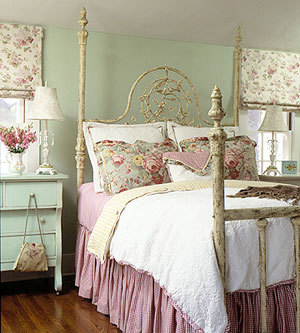shabby-chic-vintage-decor-furniture-bedroom