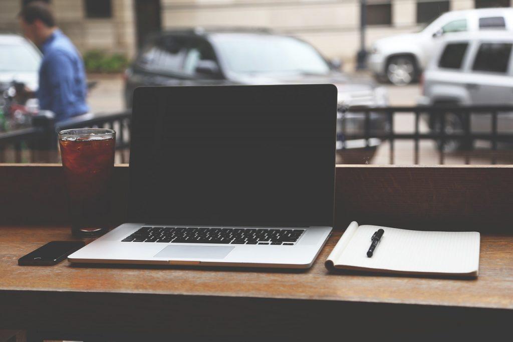 7 gadget-uri necesare pentru bloggeri
