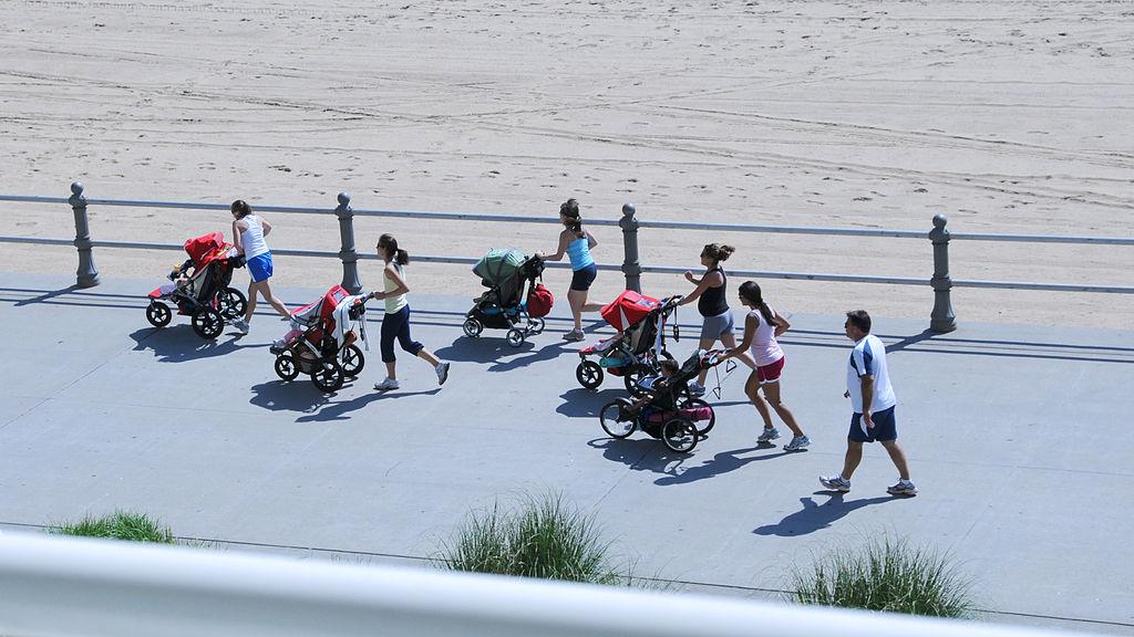 Ghidul mamelor care vor să alerge cu căruciorul sportiv