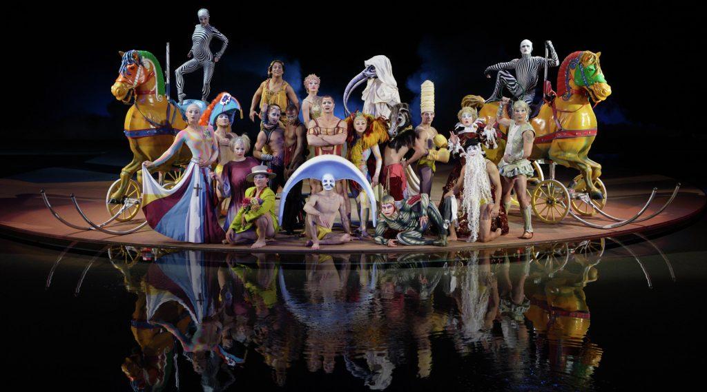 bellagio-entertainment-o-by-cirque-du-soleil-family-portrait